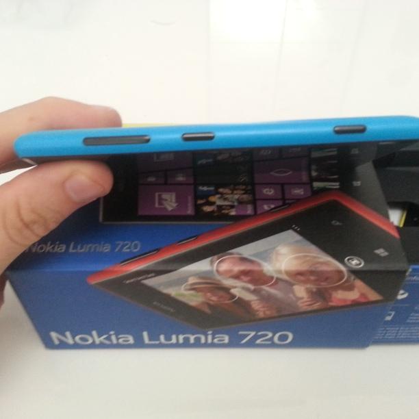 Lato Destro Lumia 720